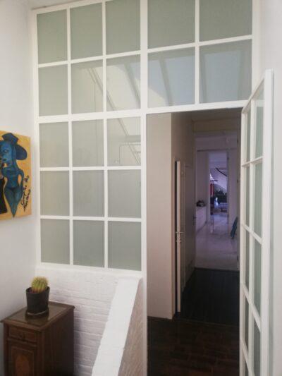 staal, stalen deur, pivotdeur, deur met melkglas, binnendeur