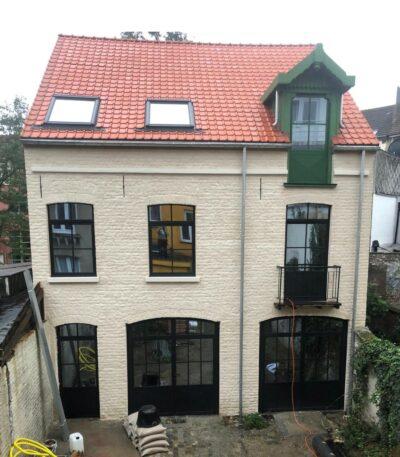 huisrenovatie met stalen ramen